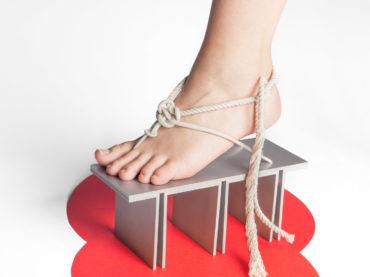 Maria Nina Vaclavkova gejša geta shoes
